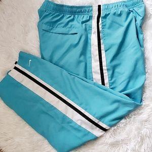 Nike Capri Active Wear Workout Pants